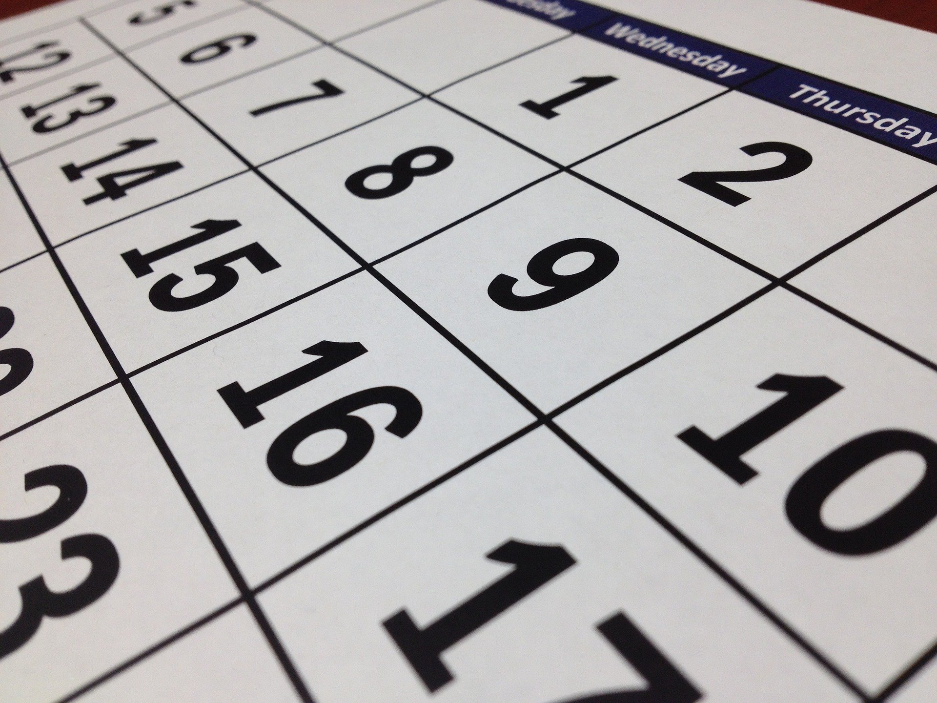 ページング付きカレンダー